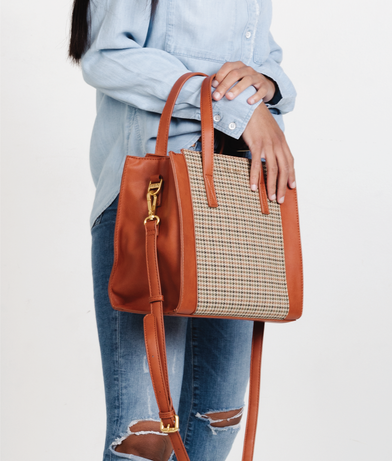 The Medium Carryall - Plaid