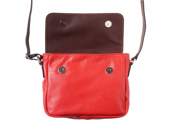 Compact Shoulder bag in soft leather