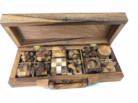 12 interlocking puzzle chest