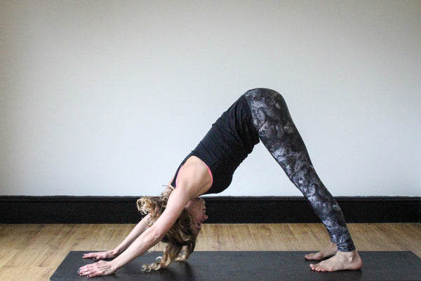 Downward Dog: Tiny Fish Co Marble leggings