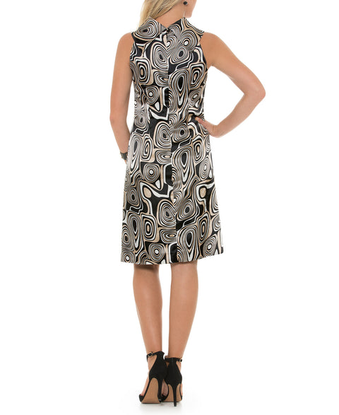 Multi-purpose dress with geometrical design inspired by the 70's