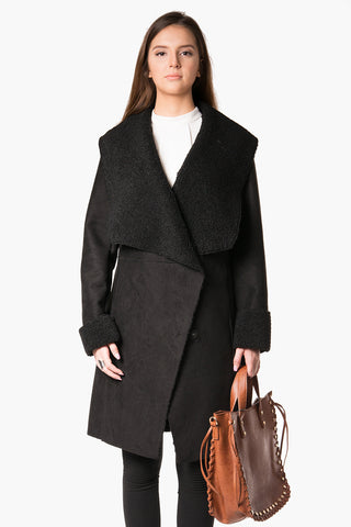 Iwona - Warm velvet Sued-Sherpa with big collar coat