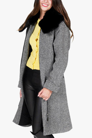 Mila - wool coat with double pleats and detachable real fur collar
