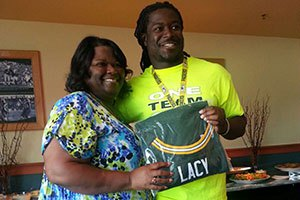 Eddie Lacy talks about his Mother, Wanda