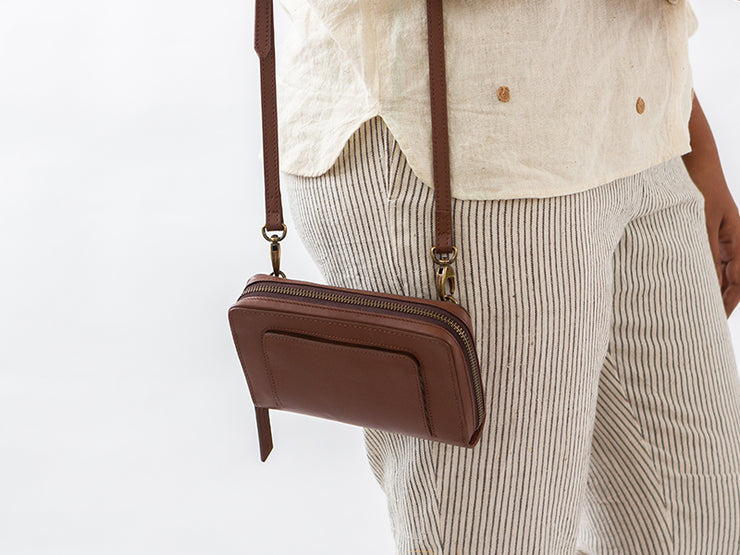 AIO Mobile Sling - Classic Tan