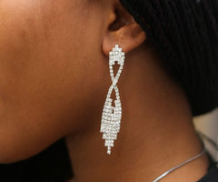 009 SILVER CRYSTAL DROP EARRING