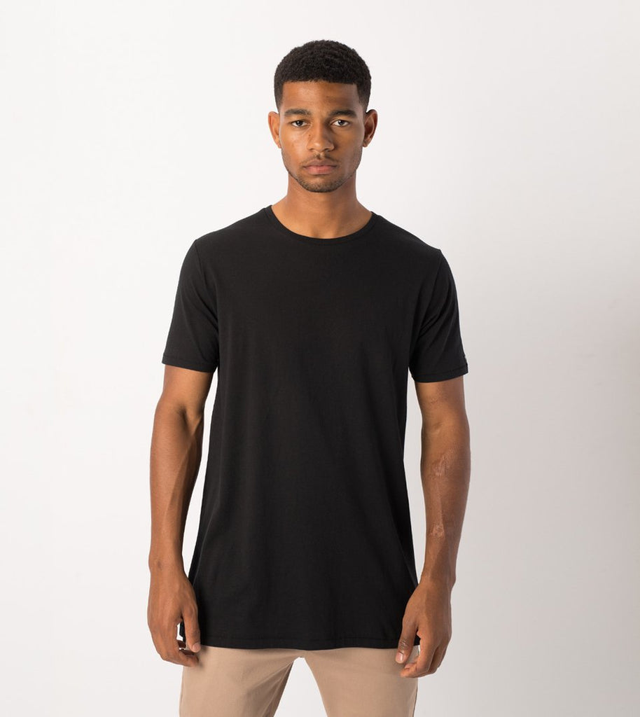 BYC Black loose round neck T-shirt.