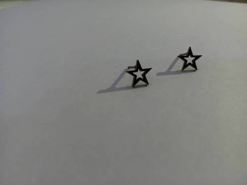 BLACK STUD STAR EAR RING