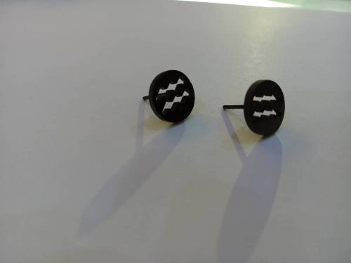 BLACK STUD DESIGN EAR RING
