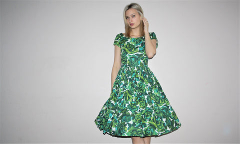 Vintage 1950s Green Rose Floral Border Print Novelty Cotton Cupcake Pinup Bombshell Party Dress