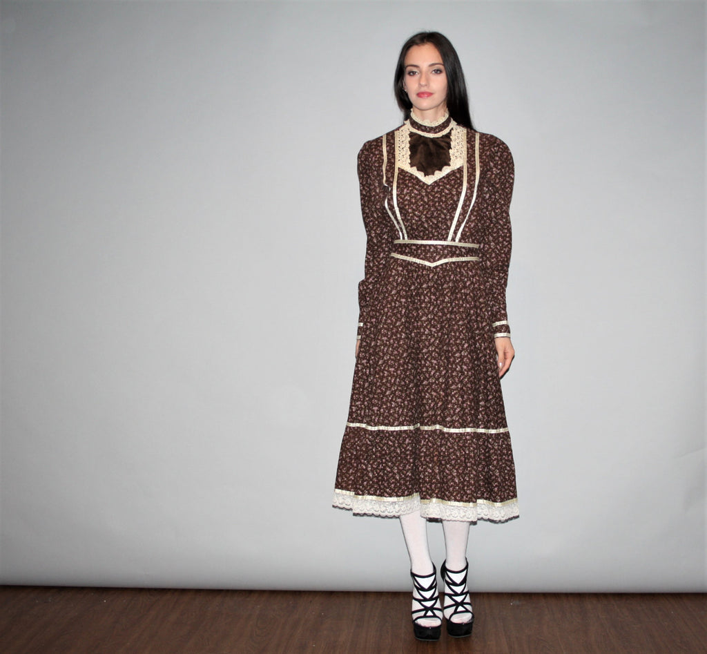 1970s Vintage Gunne Sax Calico Brown Velvet Floral Victorian Sleeve Lace Prairie Dress Size 11