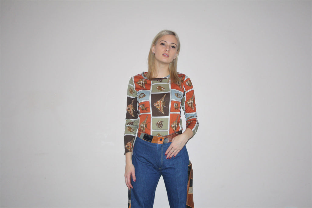 1970s Vintage Graphic Novelty Print Fish Skin Tight Paper Thin Crew Neck Women's Shirt