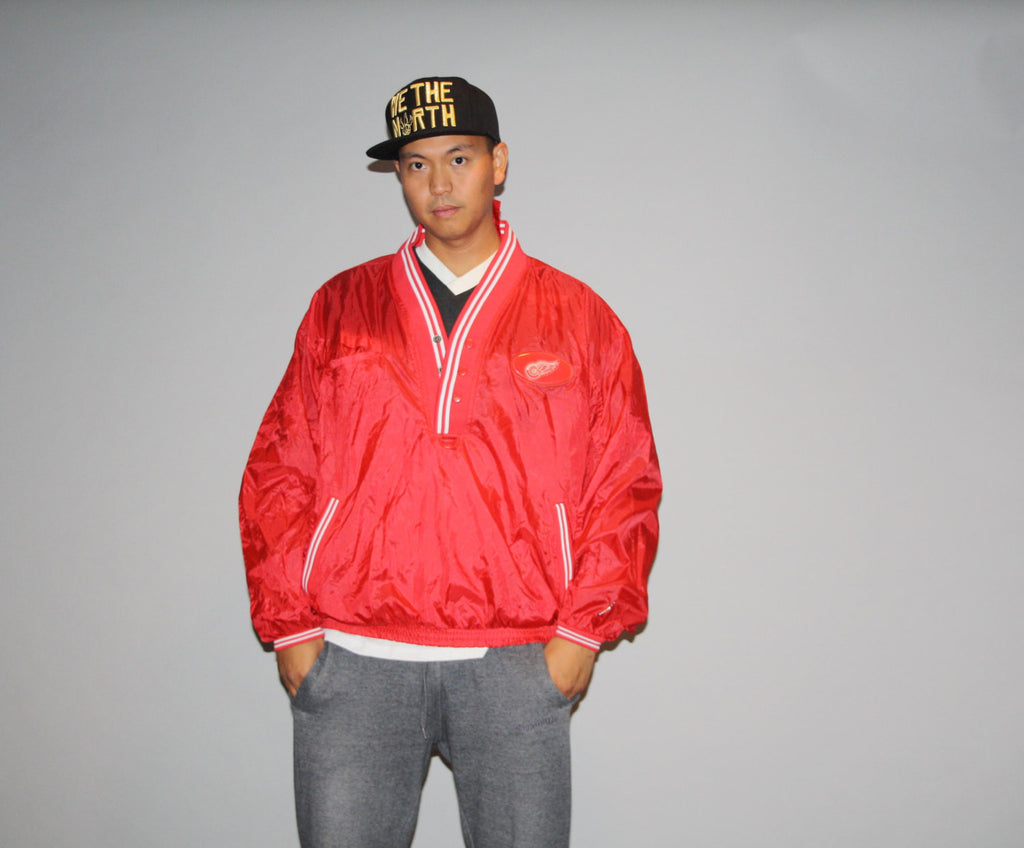 Vintage 1990s NHL Hockey Chicago Redwings Hip Hop Rapper Rap Oversized XL Windbreaker Jacket