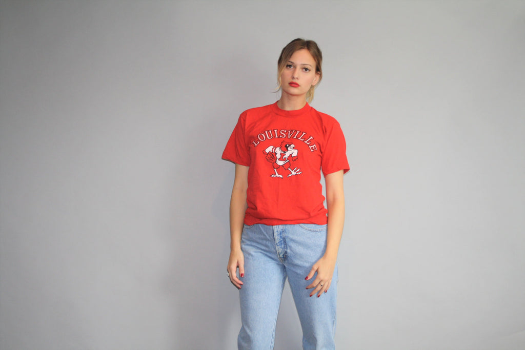 Vintage 1990s Louisville Cardinals NFL Football T-Shirt