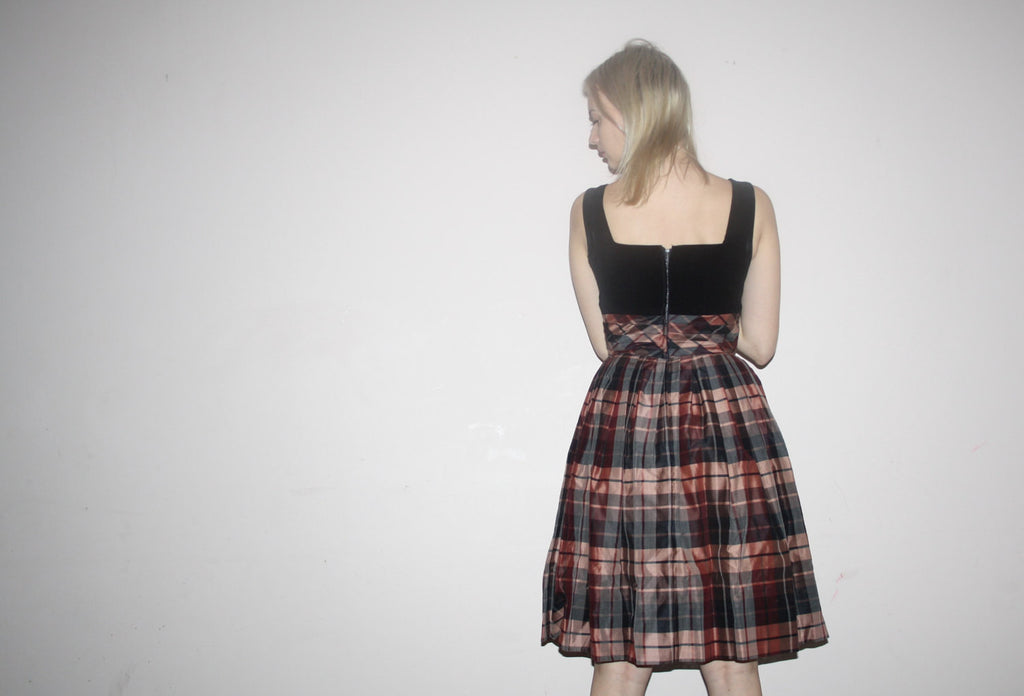 1950s Vintage Black Velvet Plaid Skirt Pinup Bombshell Party Dress