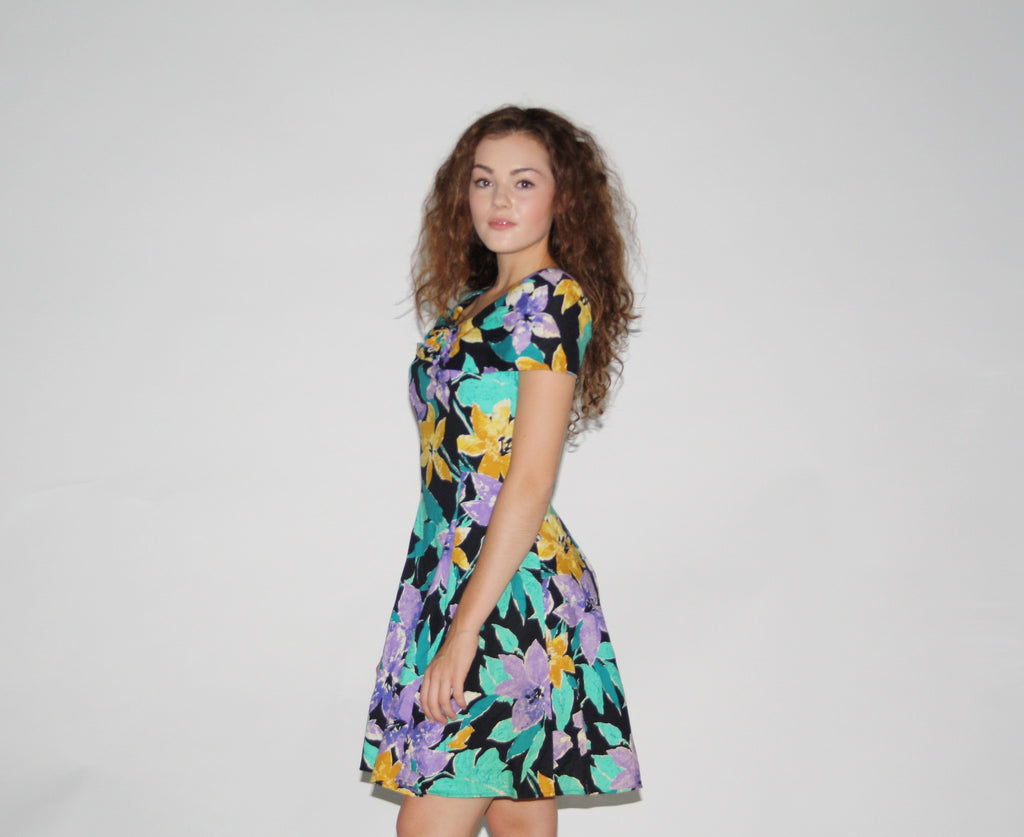 1980s Vintage Floral Short Party Dress