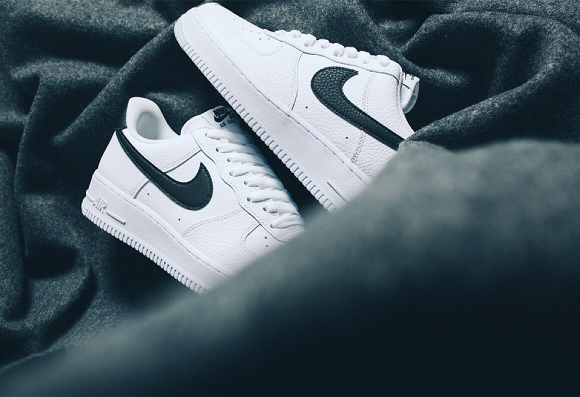 AF1 White / Black - feb 23 (6 am)