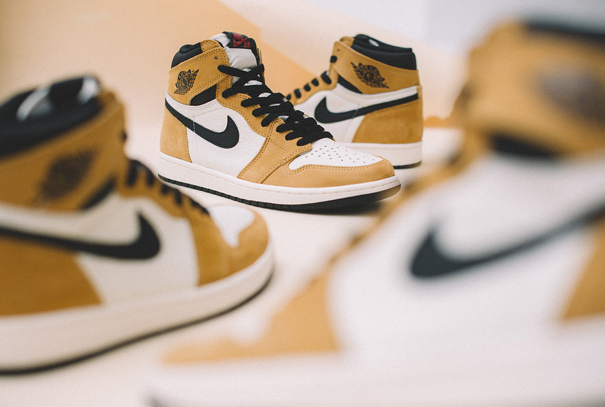 Jordan 1 Retro High OG Golden Harvest / Black