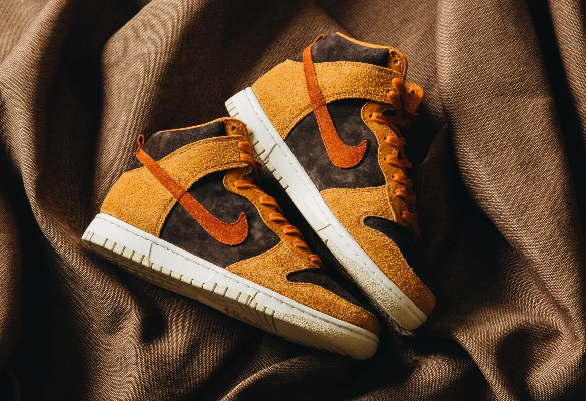 Nike Dunk Hi Retro Premium / Velvet Brown