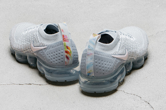 Nike Women's Air Vapormax Flyknit 2 / Pure Platinum