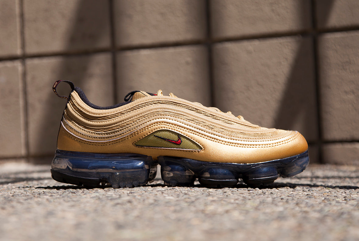 Nike Air Vapormax 97 / Metallic Gold