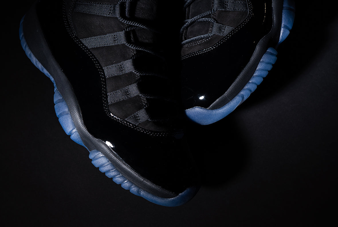 Jordan 11 Retro Blackout / Black