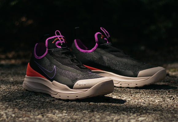 Nike ACG Zoom Air AO Black / Laser Crimson