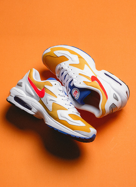 Nike Air Max2 Light University Gold / Flash Crimson