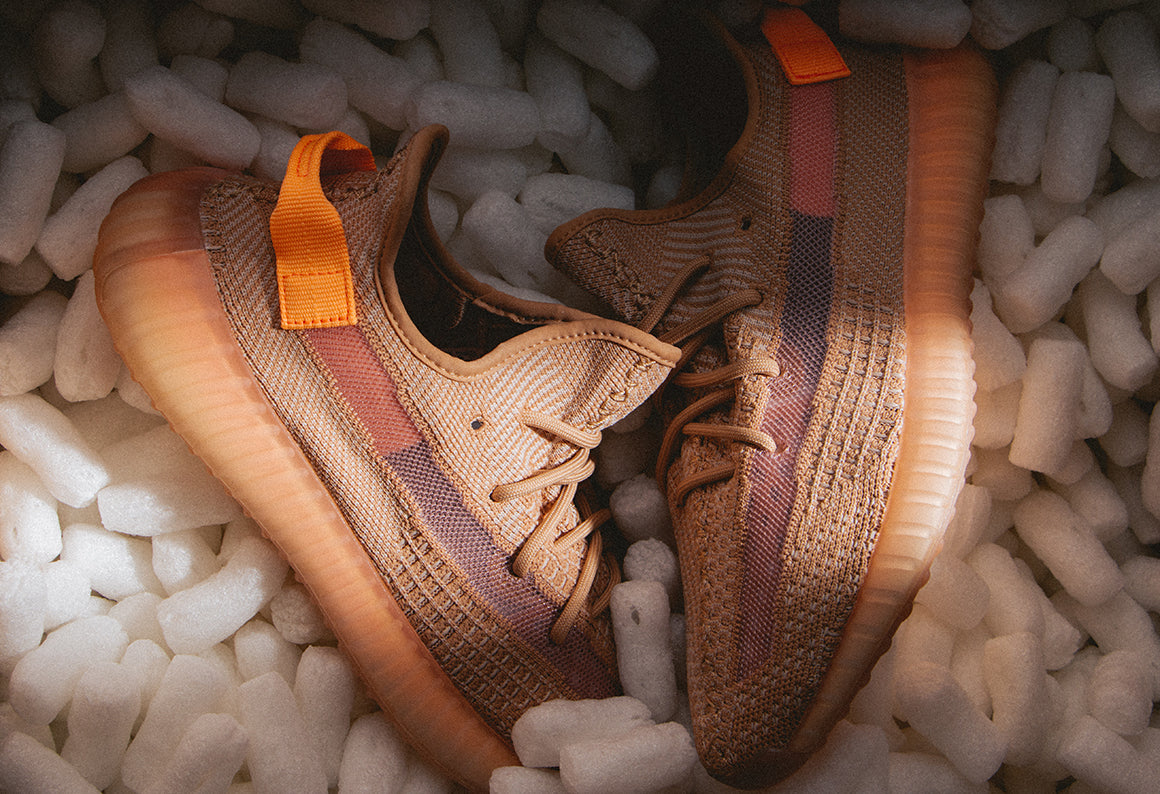 adidas Originals Yeezy Boost 350 V2 / Clay