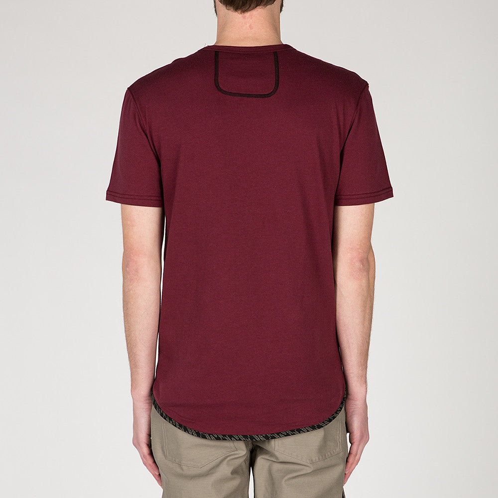 {ie TRIANGLE T-SHIRT / BURGUNDY SUPIMA