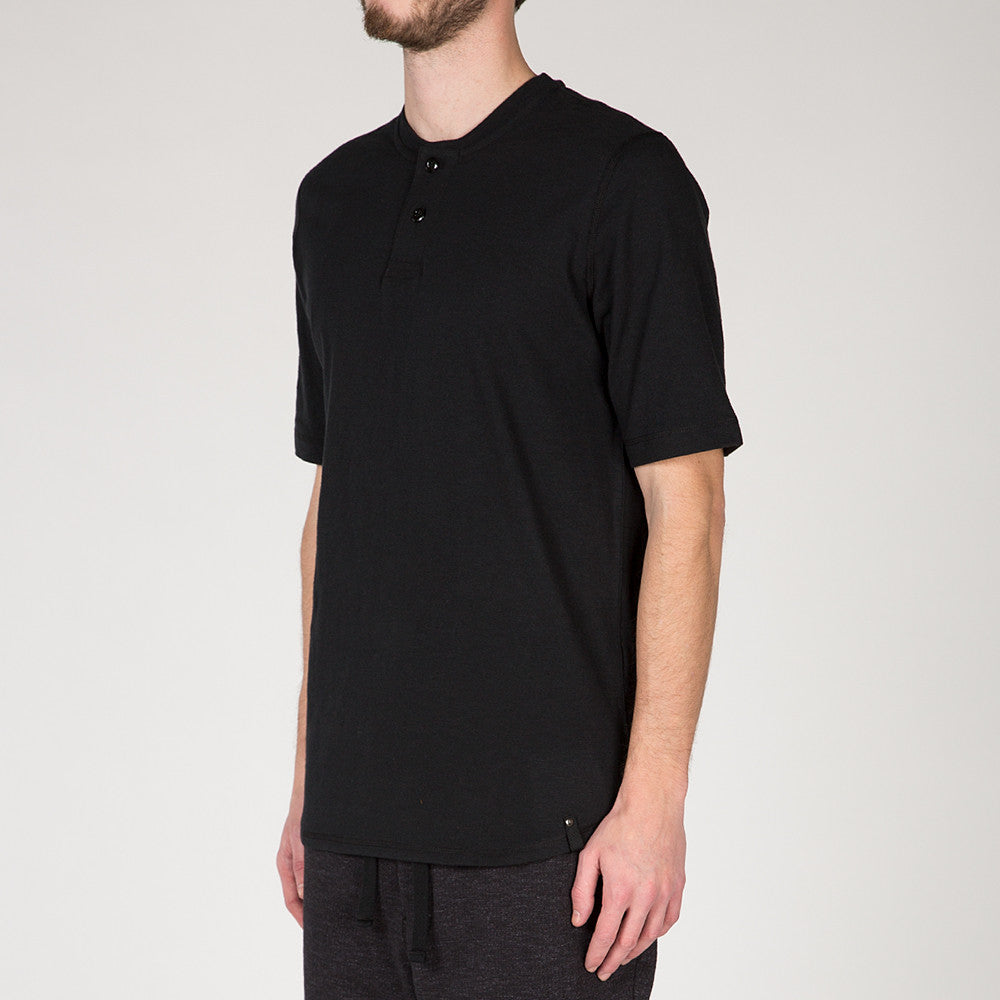 {ie SHORT SLEEVE HENLEY T-SHIRT / BLACK SLUB