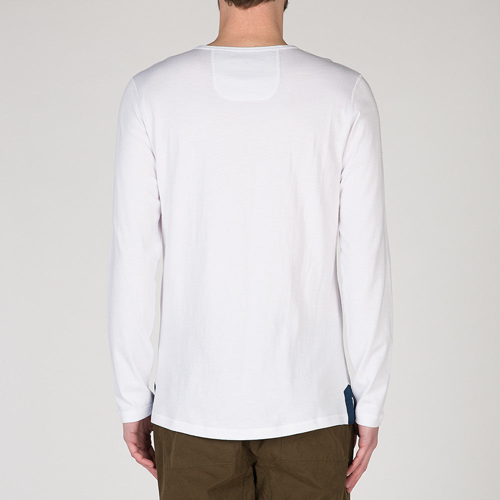 {ie LONG SLEEVE HENLEY / WHITE SUPIMA