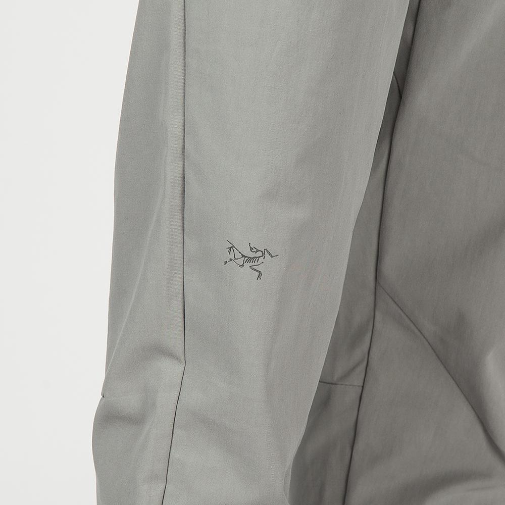 ARCTERYX SQUAMISH LIGHTWEIGHT WINDSHELL HOODY / STINGREY