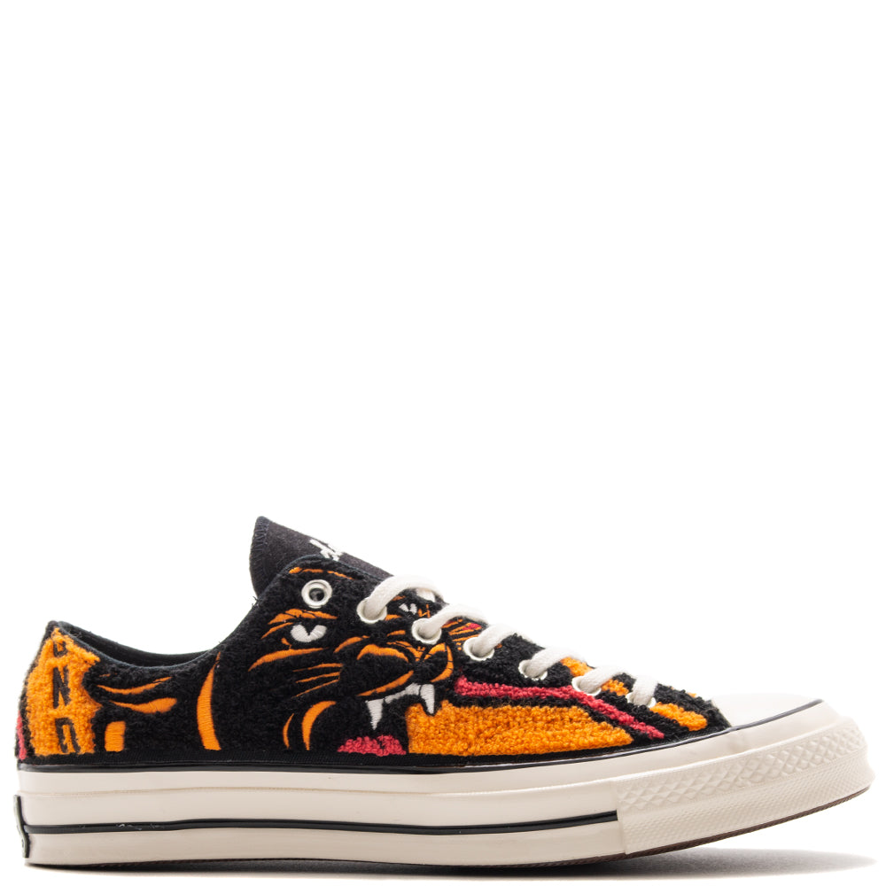 Style code 162981C. Converse x UNDFTD Chuck 70 Ox / Apricot