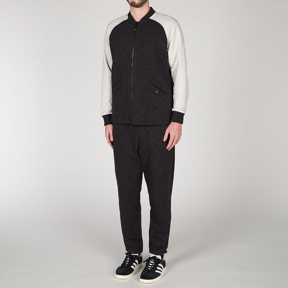 {ie SLUB FRENCH TERRY VARSITY ZIP UP BLACK / CLOUD