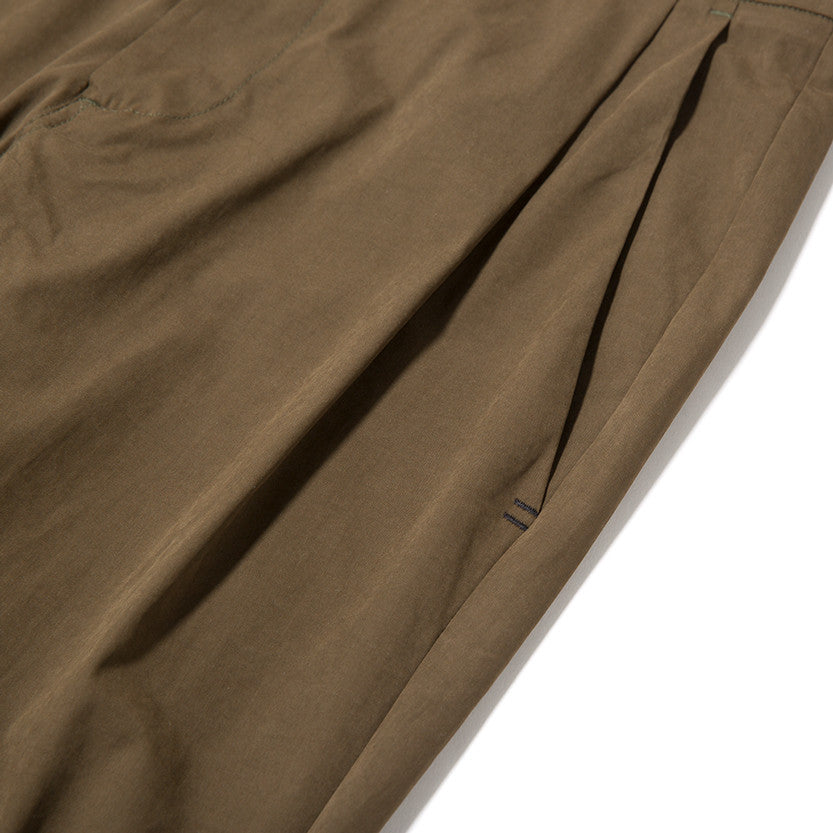 {ie LEISURE PANT / OLIVE - 3