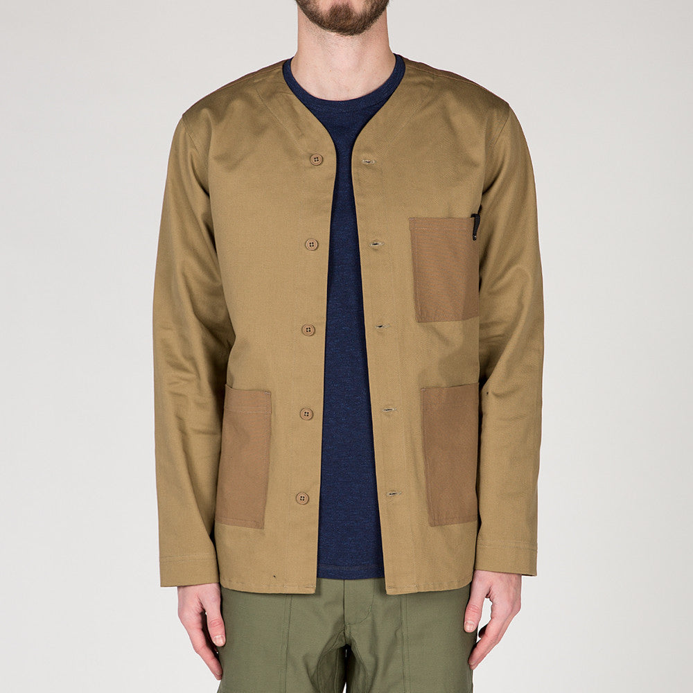 {ie OUTBACK OVERSHIRT / KHAKI
