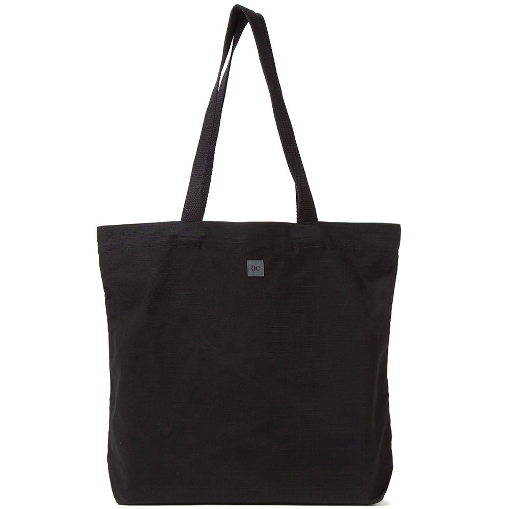 Style code 5019CWS18BLK. {ie TOTE BAG / BLACK
