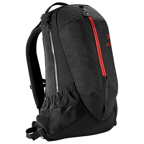 ARCTERYX ARRO 22 BAG / DIABLO RED