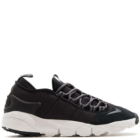 style code: 852629-002 . Nike air footscape nm black.