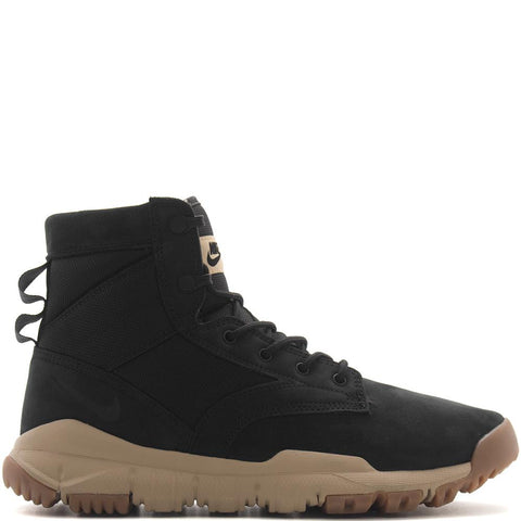 "Style code 862507-005. NIKE SFB 6"" NSW LEATHER BOOT / BLACK"