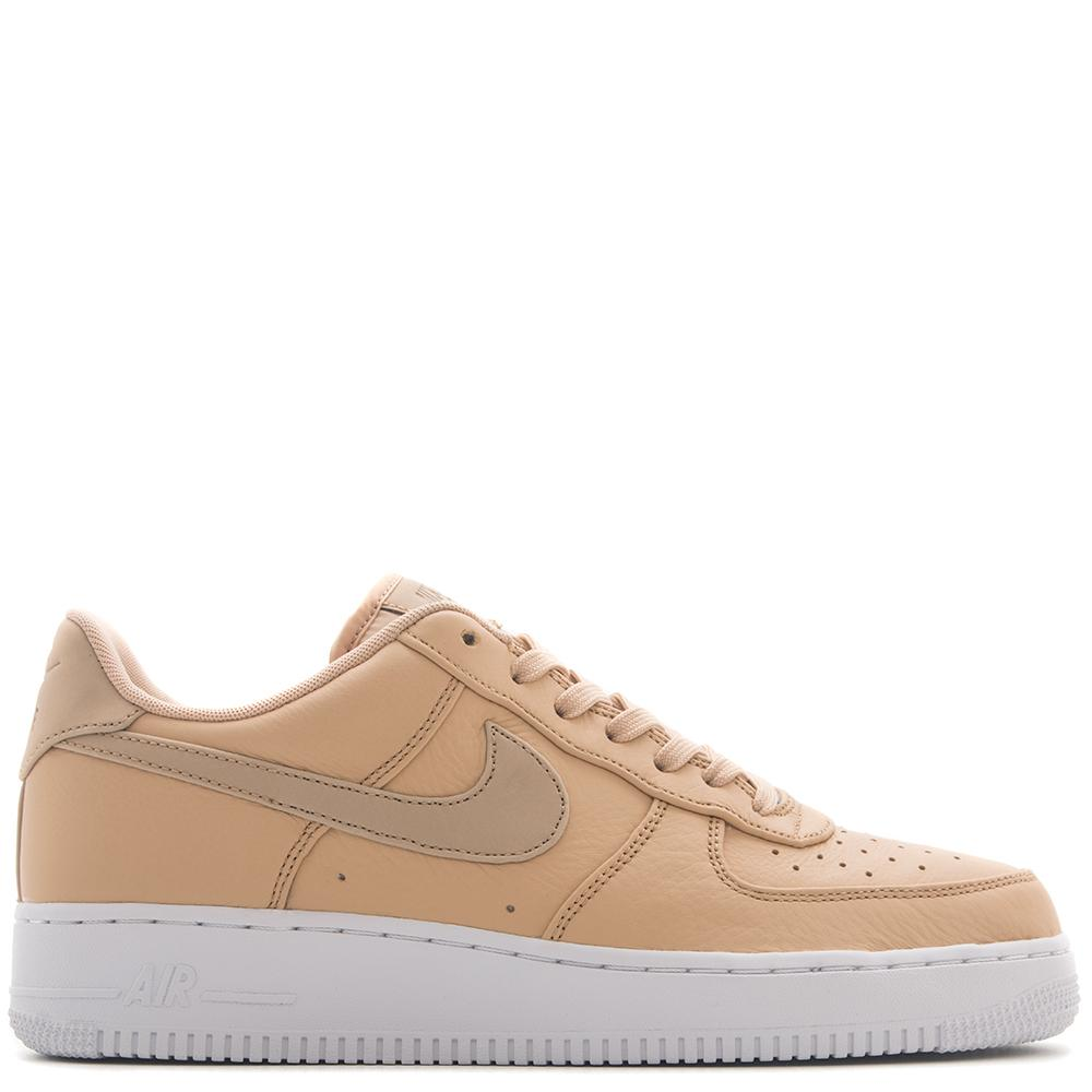 style code 905345-201. NIKE AIR FORCE 1 '07 PREMIUM / VACHETTA TAN