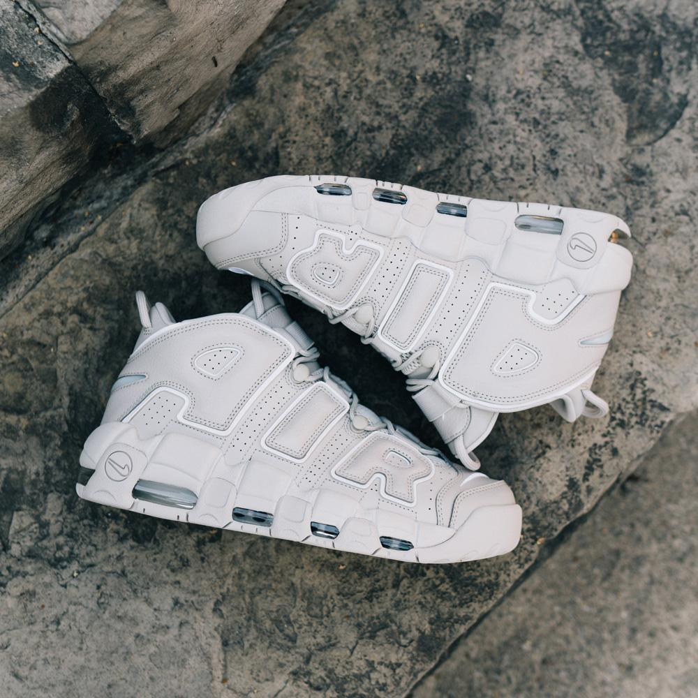 Style code 921948-001. NIKE AIR MORE UPTEMPO '96 / LIGHT BONE