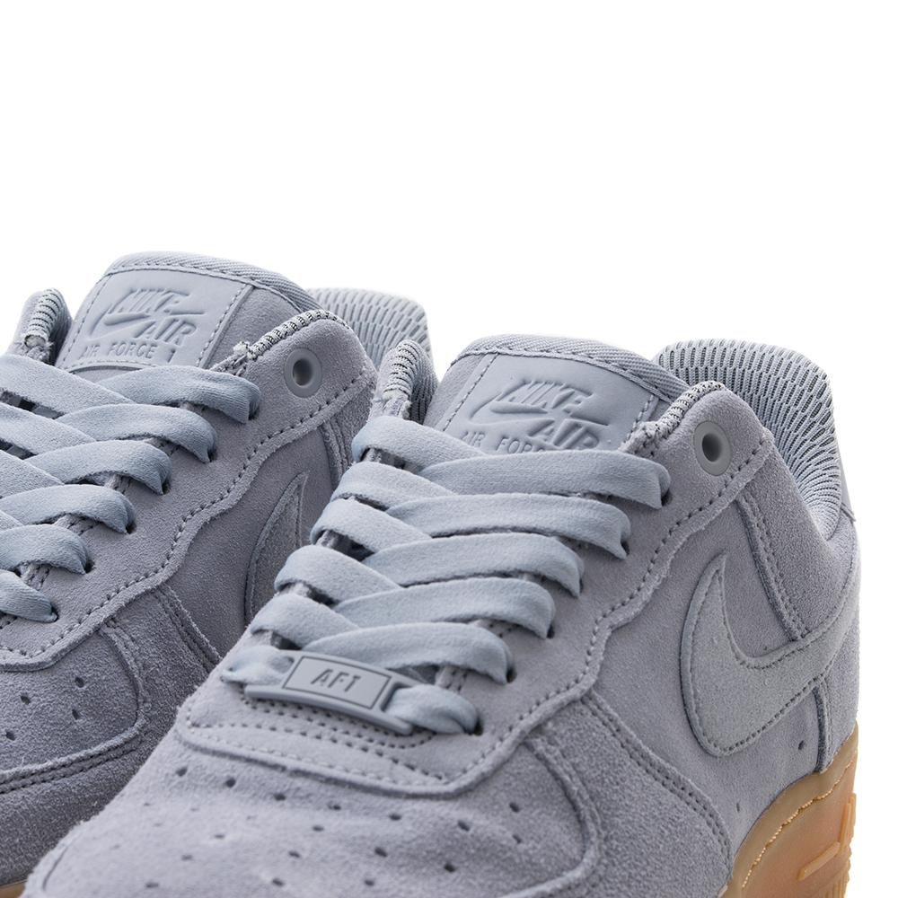 Style code AA0287001. NIKE WOMEN'S AIR FORCE 1 '07 SE / GLACIER GREY