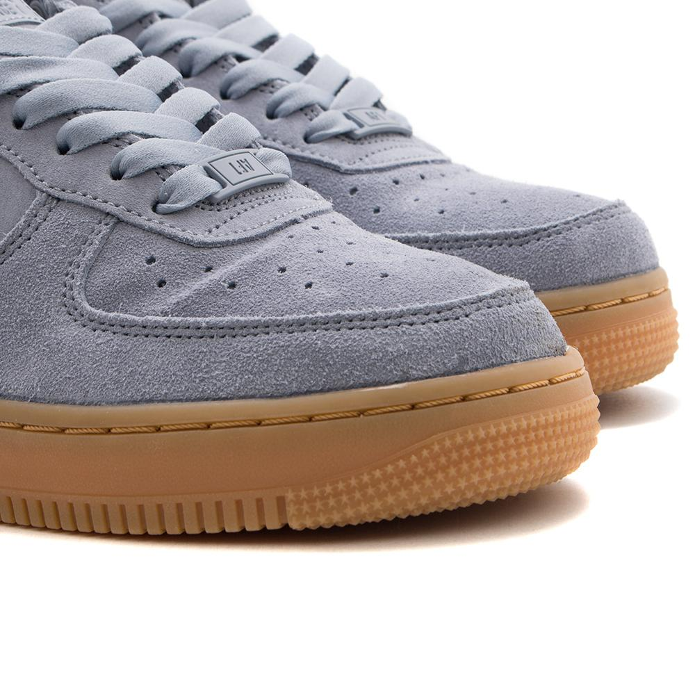 NIKE WOMEN'S AIR FORCE 1 '07 SE / GLACIER GREY