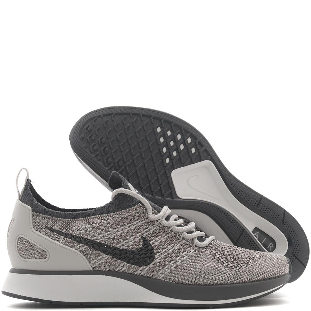 NIKE WOMEN'S AIR ZOOM MARIAH FLYKNIT RACER / PALE GREY