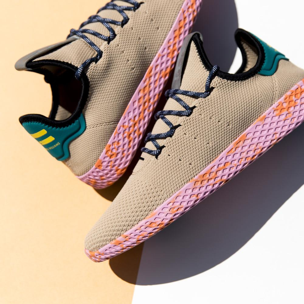ADIDAS ORIGINALS BY PHARRELL TENNIS HU / PALE NUDE