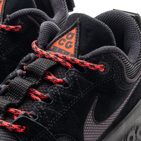 Style code AQ0916-003. Nike ACG Dog Mountain Black / Oil Grey