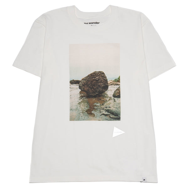 and wander Rock Photo T-shirt by Tetsuo Kashiwada / White