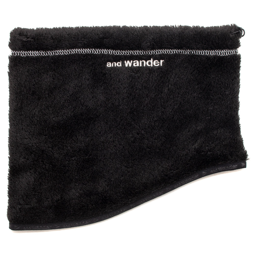 Style code AW83AA604BLK. and wander High Loft Fleece Neck Warmer / Black